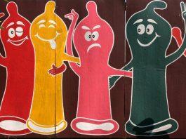 Bière-vagin, capotes royales et fails pornographiques