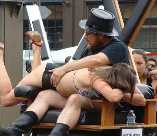 sexualité BDSM en public
