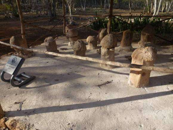 les ruines mayas d'Uxmal, monument phallique