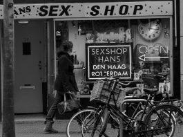 cabines vidéos de sexshop