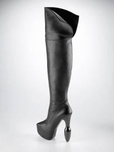 Une botte Ainsley : des chaussures sextoys de luxe