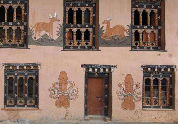 Peinture phallique au Bhoutan