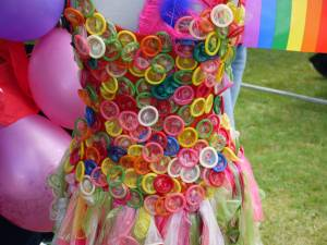condom_dress2_hippie