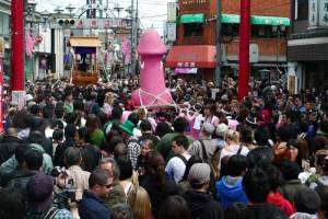 kanamara-matsuri-festival-penis-japan-5