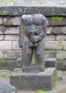 sukuh-indonesia-phallic-temple-1
