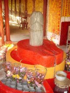 shiva-lingam-temple-buddah-changhua-2