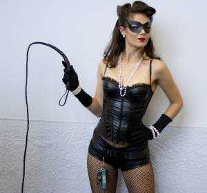 catwoman-fouet-snake-whip