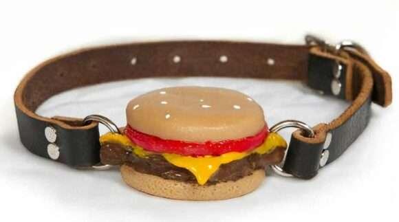 bâillon cheeseburger