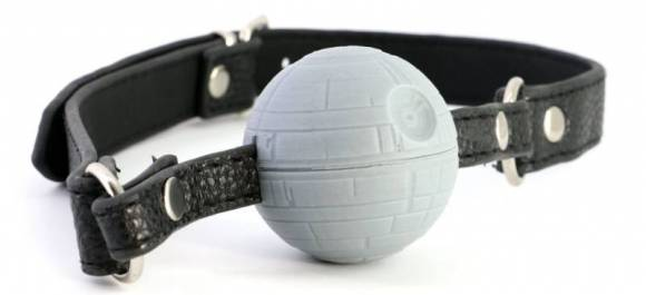 Les sextoys Star Wars : le bâillon étoile noire