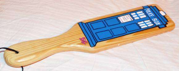 Sextoys Doctor Who : le paddle Tardis