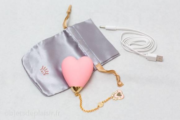 Le Lolita Baby Heart, son étui et son chargeur