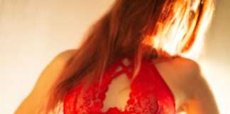 Ensemble de lingerie rouge Lovehoney