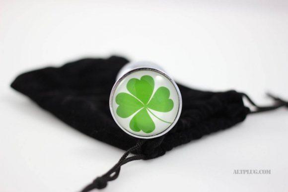 Sextoys Saint-Patrick : le plug anal trèfle à quatre feuilles