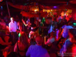 Une soirée en club libertin