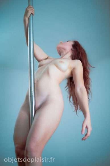 pole dance nue