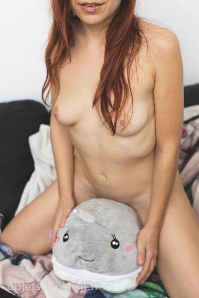 Photo sexy : à cheval sur un narwhal