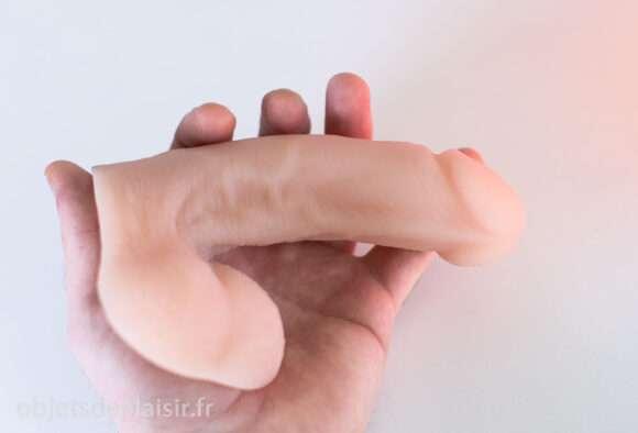 le Limpy : un packer (faux pénis flaccide)