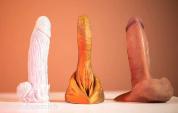 Le Dito de Petit Vice, entre le Night Kink de Geeky Sex Toys et la RealCock 2 DTF