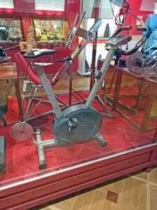 Vélo fucking machine - Sex Machines Museum