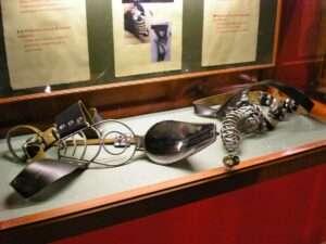 Cages de chasteté - Sex Machine Museum