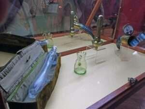 Godes en verre - Sex Machines Museum
